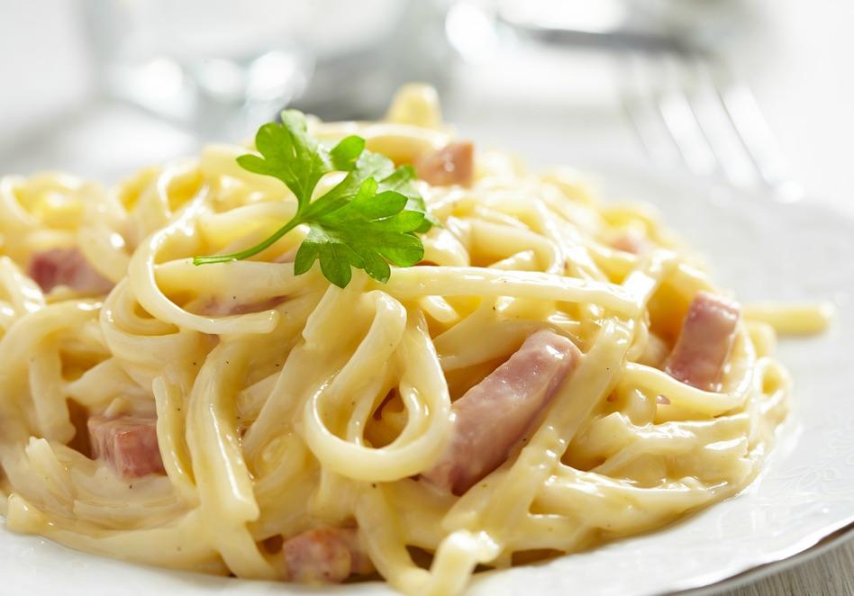 Tagliatelle cu sos Roquefort si bacon